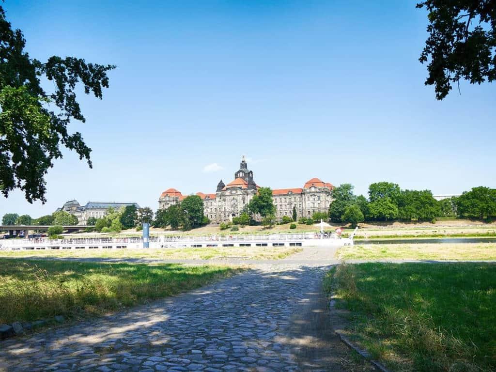 Mit dem Segway zur Sächsischen Staatskanzlei