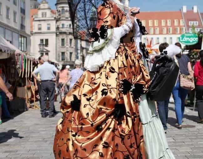 Zeitreise mit Gräfin Cosel, Carola Klapper zum Stadtfest Dresden