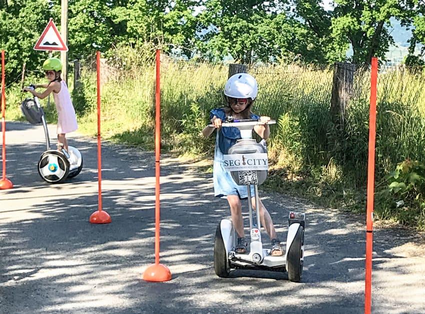Kinder Segway Slalom Fahrt